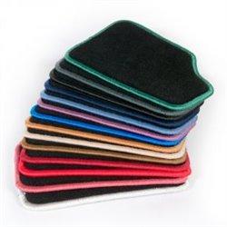 Bordado adicional en alfombras de moqueta